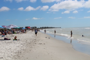 Sanibel Island Beach, looking the other way.