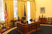 Clinton's recreated Oval Office.
