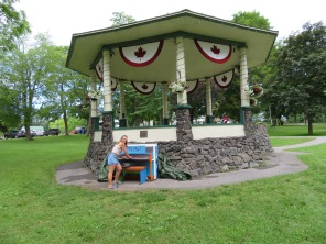 A little tomfoolery on the piano at the town grandstand next to the visitor's center, Gananoque.