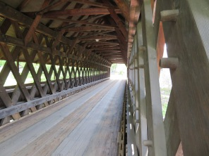 Inside view of the Middle Bridge.